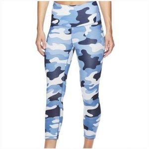 Reebok Women's Capri Workout Leggings 💙
